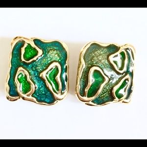 Vintage green gold clip on earrings